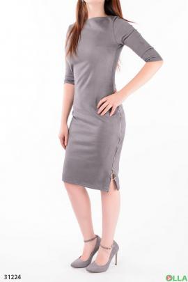 Платье со змейкой сбоку