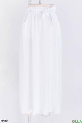 Женская белая юбка с поясом