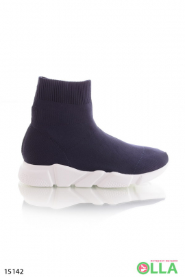 Высокие кроссовки без шнуровки