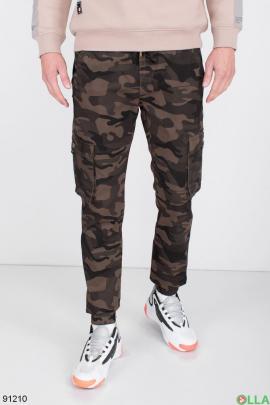 Мужские черно-коричневые брюки в камуфляжный принт