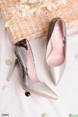 Серебристые туфли с блёстками