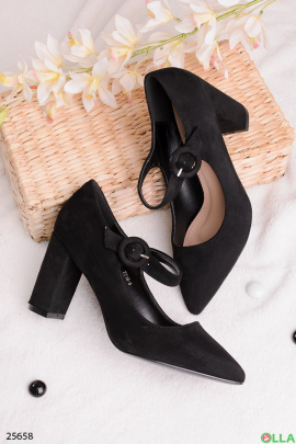 Туфли на каблуке, с острым носком