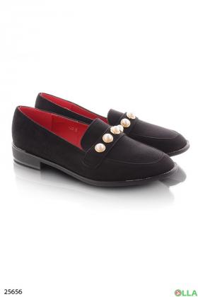 Черные туфли с бусинами