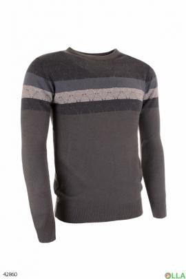 Мужской свитер с полосками