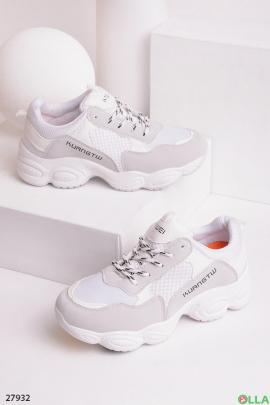 Женские  кроссовки белого с серым цветом