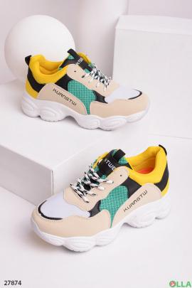 Кроссовки с верхом из разных цветов