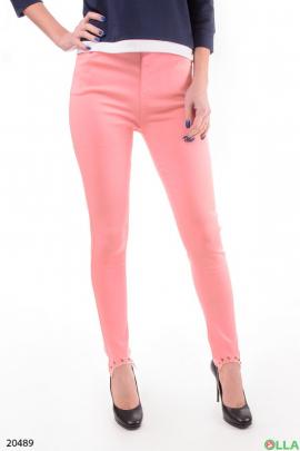 Женские брюки нежно-розового цвета