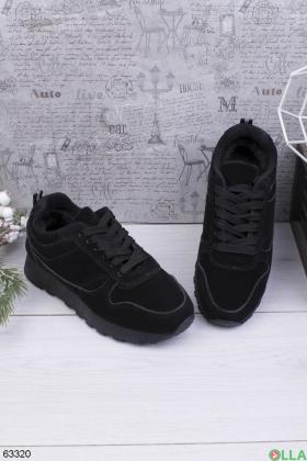Женские зимние черные кроссовки
