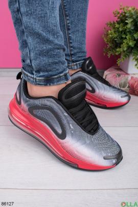 Женские серо-красные кроссовки на шнуровке