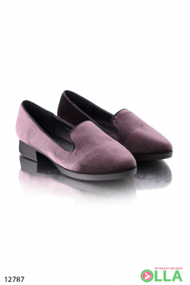 Туфли на маленьком каблуке