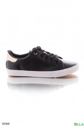 Черные кеды на шнурках