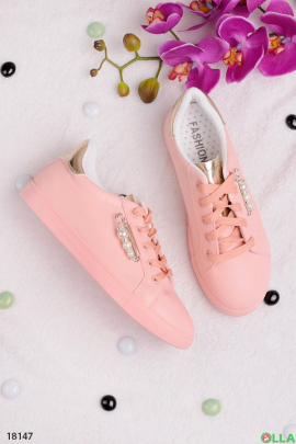 Женские кеды розового цвета