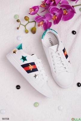 Белые кеды со звездами