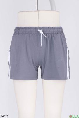 Женские серые спортивные шорты