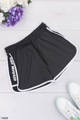Женские черные спортивные шорты