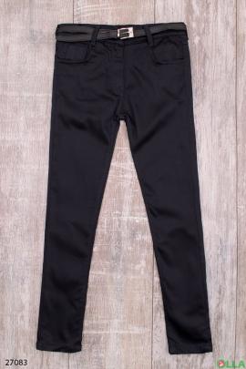 Черные брюки с ремнем