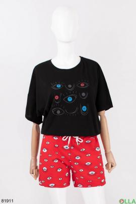 Женский костюм из футболки и шорт