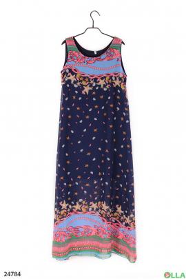 Женское платье с ярким принтом