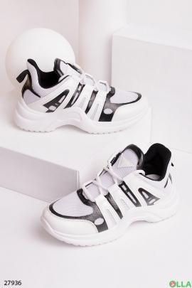 Кроссовки с утолщенной спортивной подошвой