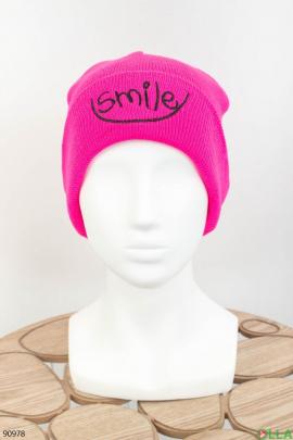 Женская малиновая шапка с надписью