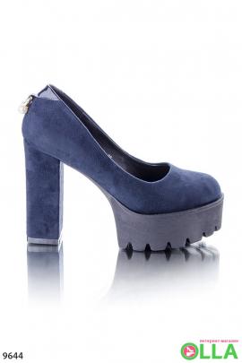 Туфли на высоком каблуке и платформе