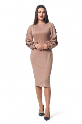 Платье бежевого цвета