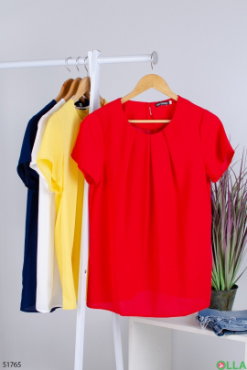 Женская  красная  блузка