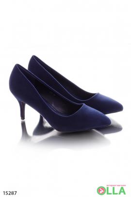 Замшевые туфли на шпильке