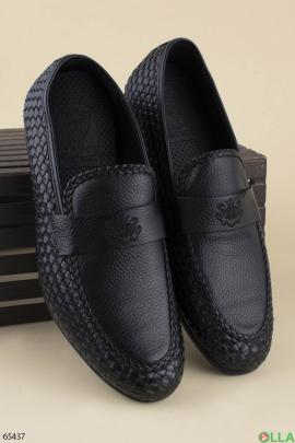 Мужские черные туфли из эко-кожи на каблуке