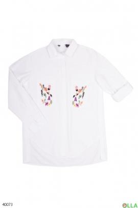Женская рубашка белого цвета