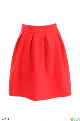 Женская юбка красного цвета