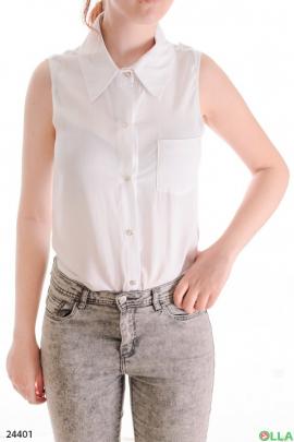 Женская блузка с воротником