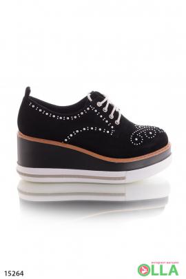 Черные туфли-криперы на танкетке