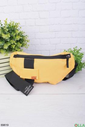 Мужская желтая сумка-бананка