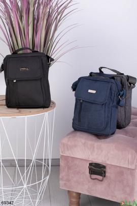 Мужская черная сумка на длинном ремешке