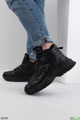 Женские зимние кроссовки на шнуровке