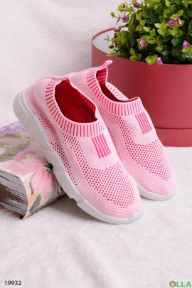 Розовые кроссовки с белой подошвой