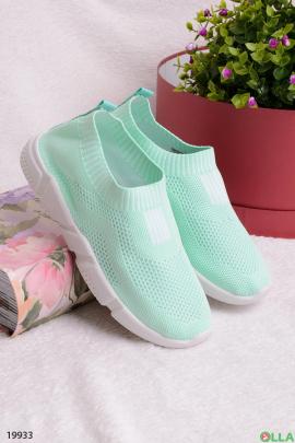 Бирюзовые кроссовки с белой подошвой