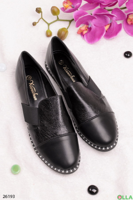 Женские туфли с лаконичным дизайном