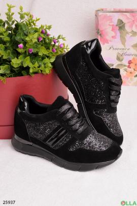 Черные кроссовки с блестящими вставками