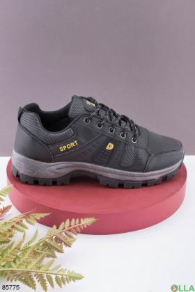 Мужские черные кроссовки на шнуровке