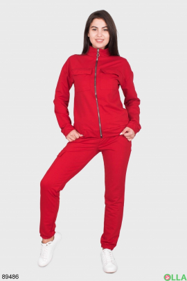 Женский спортивный костюм красного цвета