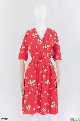 Женское красное платье в цветочный принт