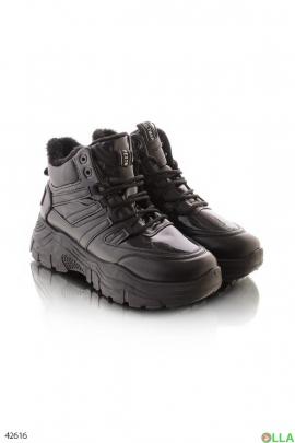 Зимние кроссовки чёрного цвета