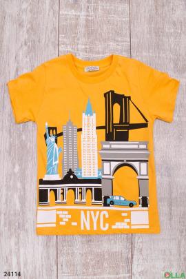 Желтая футболка с рисунком