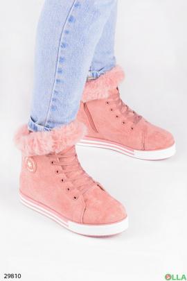 Ботинки розового цвета