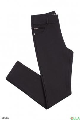Чёрные брюки на резинке