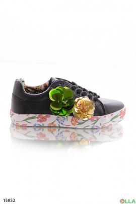 Кроссовки с цветами из пайеток