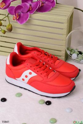 Красные с белым  кроссовки