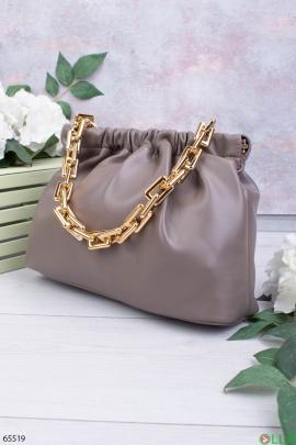 Женская серая сумка с ручкой-цепью